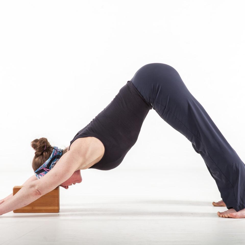 Bli med på yogaklasser på Zoom- hver uke!